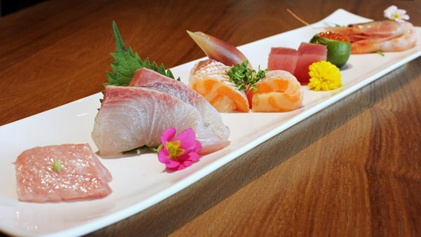 Click here to view Hana Premium Sashimi 6 Kinds