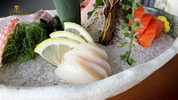 Click here to view Ume Sashimi Moriawase at Kimi-Ya