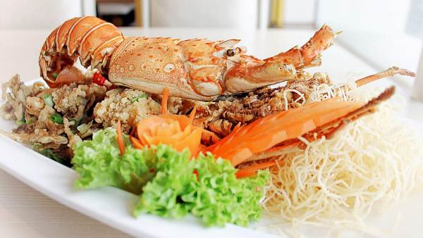 Click here to view free signature deep fried king prawn at Imperial Chakri Palace
