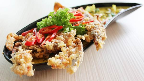 Click here to view Crispy Soft Shell Crab with Curry Egg Gravy at Sanoook