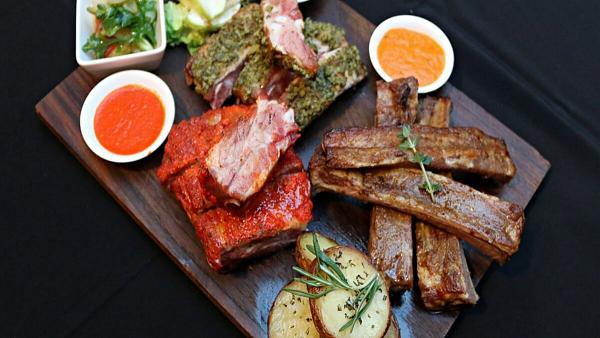 Click here to view this free Spanish Ribs Platter at El Cerdo