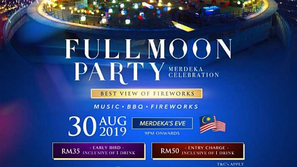 View Merdeka Full Moon Party with Best Views of Firework at Stratosphere