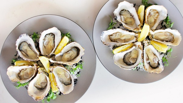 View Fine De Claire Oysters On The Half Shell (12 Oysters)