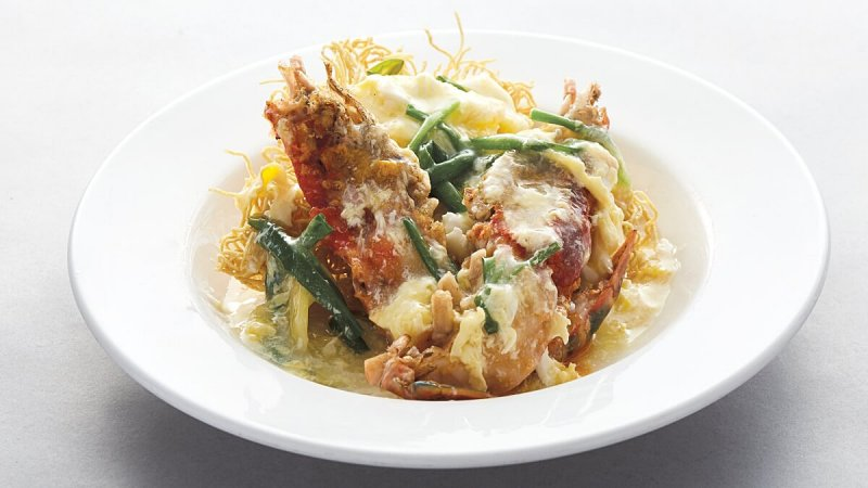 View Crispy Fine Egg Noodles with Fresh Water Prawns at Lai Ching Yuen