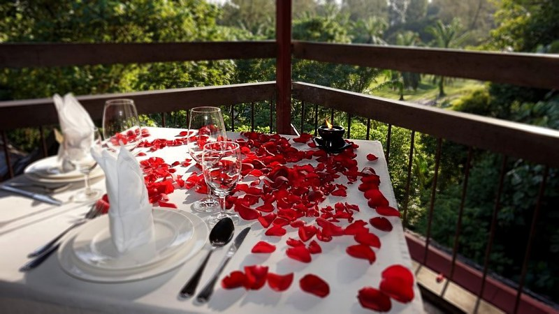 View Top Scenic with Romantic Set Dinner - Tamarind Springs