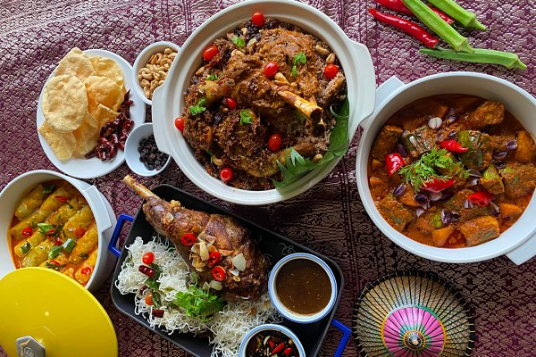 Ramadan Takeaway and Delivery at Waterfront Cafe @ Hilton Kuching